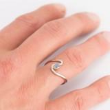 Witgouden fantasie ring met Labradoriet